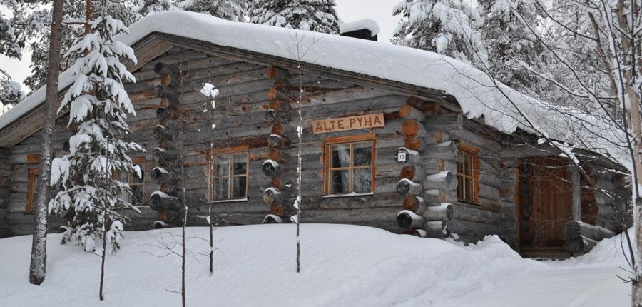 finland_lapland_pyhä_Log_Cabins _(3 stars)_2_room_mezzanine_superior_cabin_exterior2.jpg